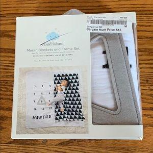 Muslin blanket and frame set
